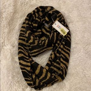Brand new scarf